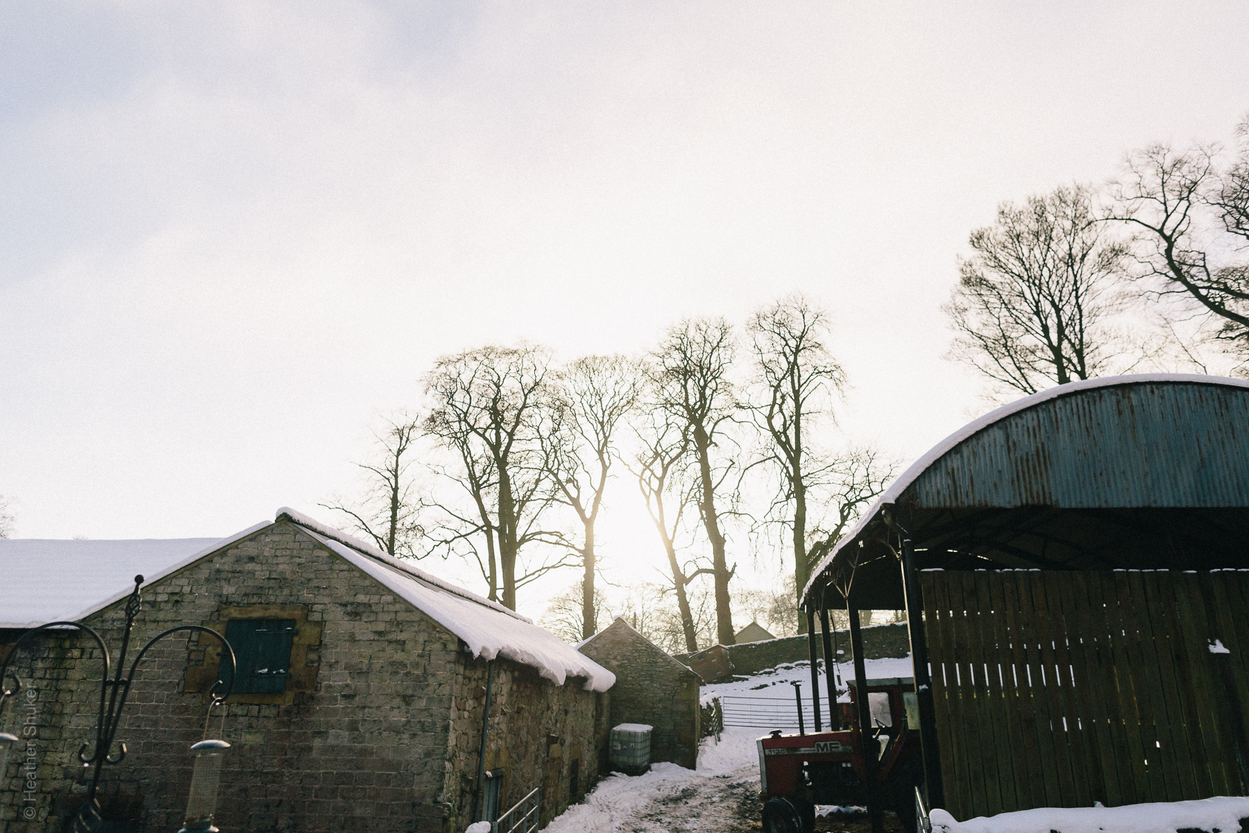 Snokwy peak district wedding